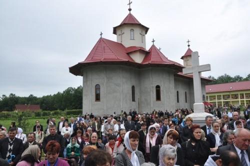 Hramul Manastirii Bobota 16