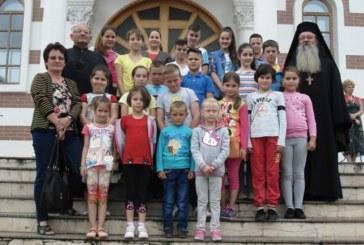 Copiii din parohia Mociu I, în pelerinaj la Mănăstirea Florești