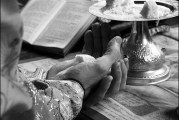 <span style='color:#B00000  ;font-size:14px;'>Catehism. ABC-ul credinţei (Pr. Cătălin Pălimaru)</span> <br> Liturghia şi viaţa duhovnicească 2</p>