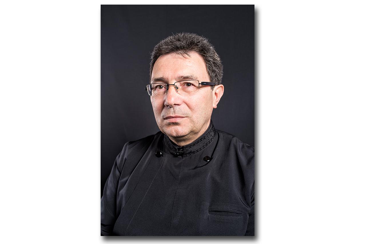 <span style='color:#B00000  ;font-size:14px;'>Pr. Prof. Vasile Stanciu</span> <br> Predică la Întâmpinarea Domnului</p>