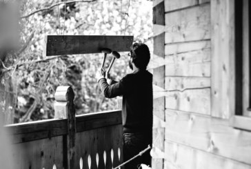 Pe jos, spre Crucea Caraiman și alte obiective religioase