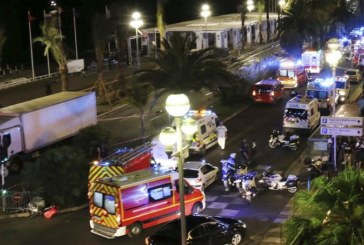 <span style='color:#B00000  ;font-size:14px;'>Românii,solidari cu poporul francez</span> <br> INTERVIU: Franța, sub asediul atentatelor teroriste</p>