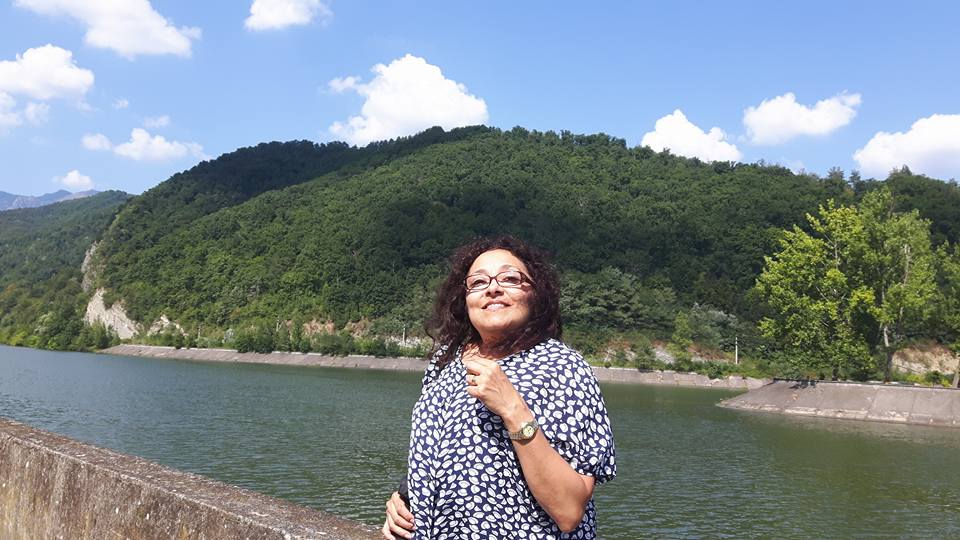 <span style='color:#B00000  ;font-size:14px;'>A doua șansă</span> <br> Povestea de viață a doamnei Erika Harangozo</p>