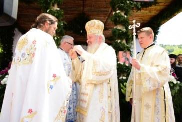 Mitropolitul Clujului și Episcopul vicar al Spaniei și Portugaliei, la hramul mănăstirii Cormaia