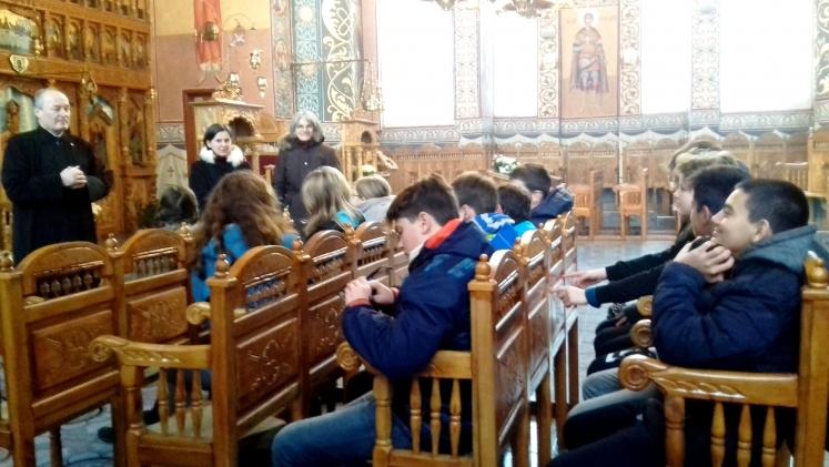 """Activitate cu elevii la Parohia """"Nașterea Domnului"""" din Cluj Napoca"""