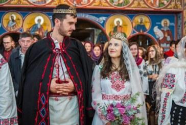 Patriarhul României îndeamnă: Să susținem familia tradițională!