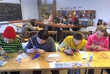 """Copiii din Parohia Sărata, participă la concursul """"Icoana şi Școala mărturisirii"""""""