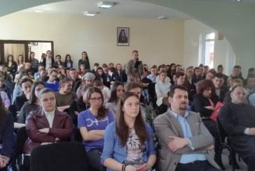 """Conferință dedicată tinerilor, la Centru Misionar  de Tineret """"Ioan Bunea"""", din Sîngeorz-Băi"""