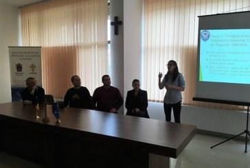 """Activitate de informare la Comunitatea """"Sfântul Meletie"""" din Dej"""