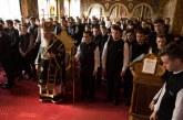 Părintele Mitropolit Andrei, în mijlocul tinerilor seminariști clujeni