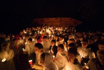 Tinerii vestesc Învierea Domnului [VIDEO]