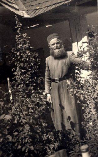 Membrii parohiei natale și ai parohiei păstorite de protopopul Florea Mureșanu, uniți pentru a-i cinsti memoria