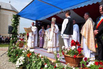 Comunitatea ortodoxă din Iclod a primit vizita Mitropolitului Andrei al Clujului