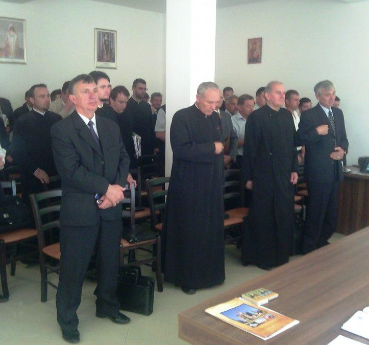 Importanța catehezei în parohii, dezbătută de preoții protopopiatului Dej