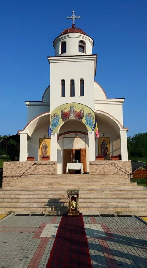 Biserica din localitatea bistrițeană Jelna, târnosită de Mitropolitul Clujului
