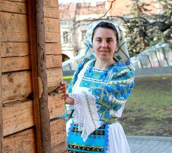 Meșterul popular Cornelia Bodescu – pasiune  cusută cu mărgele