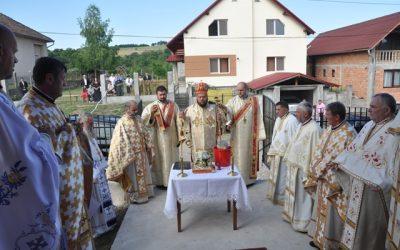 Biserica din localitatea sălăjeană Horoatu Cehului, târnosită de PS Petroniu