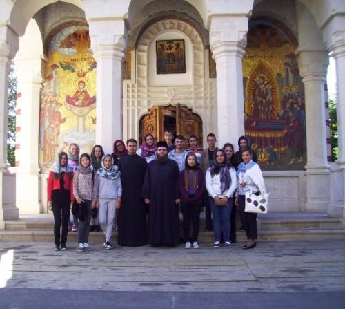 Tineri clujeni, în pelerinaj la mănăstirile din Maramureș