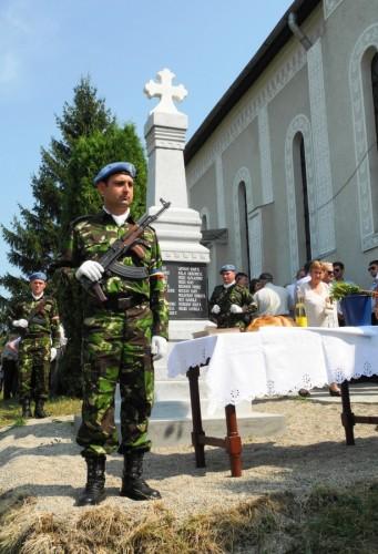 Un monument al eroilor, sfințit în parohia clujeană Răscruci