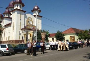 """Icoana Maicii Domnului """"Axioniţa"""", în procesiune la Jibou"""