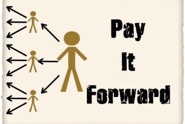 <span style='color:#B00000  ;font-size:14px;'>Filmul săptămânii</span> <br> Pay it Forward</p>