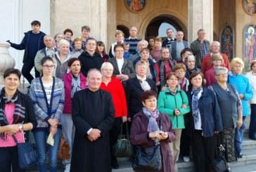 Pelerini clujeni, la mănăstirile de pe Valea Buzăului și a Teleajenului
