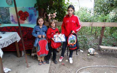 Speranță și bucurie pentru 80 de copii săraci, la început de an școlar
