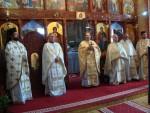 """Hramul Bisericii """"Înălțarea Sfintei Cruci"""", în prezența PS Vasile Someșanul"""