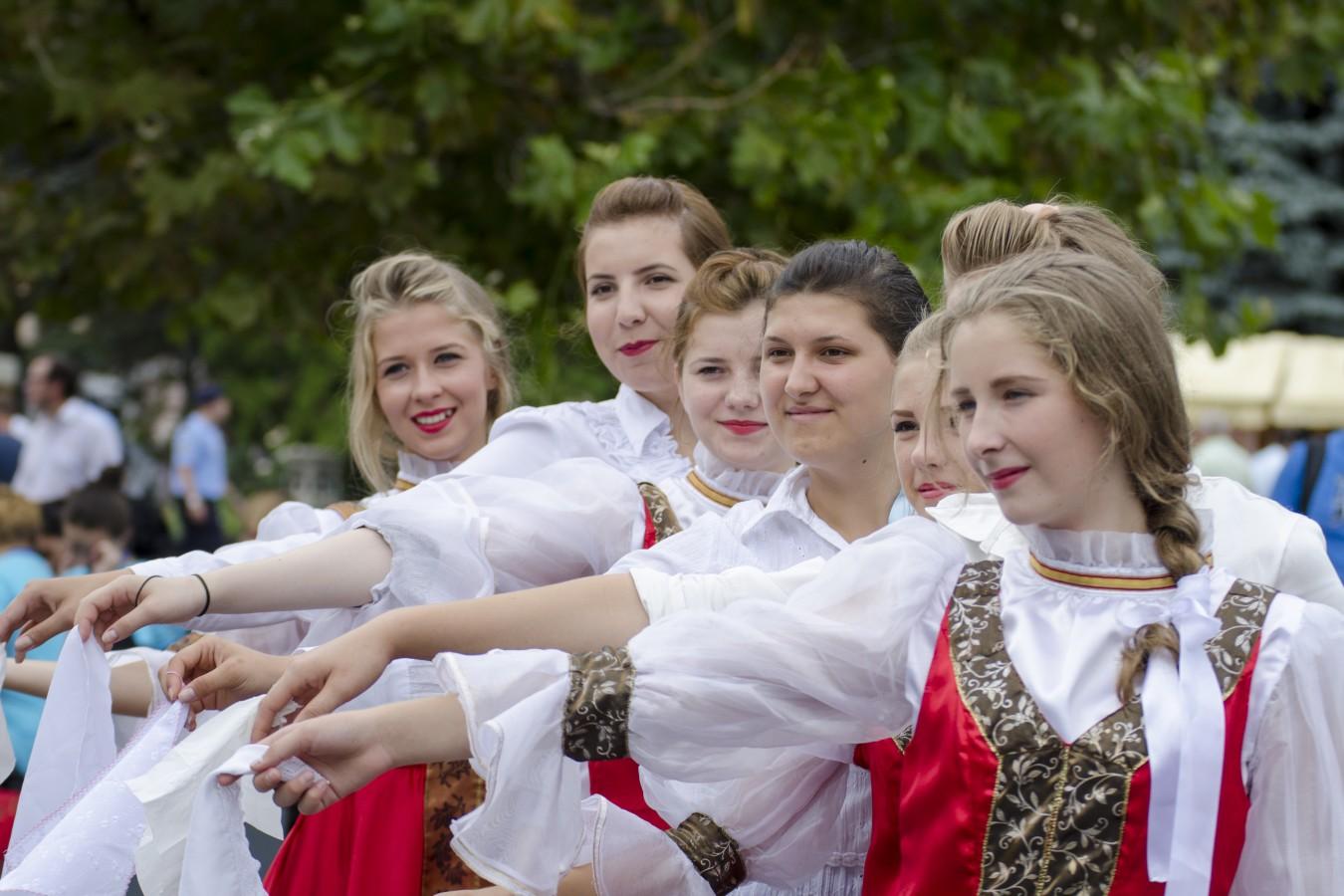 REPORTAJ: Lumea satului, pentru tinerii europeni