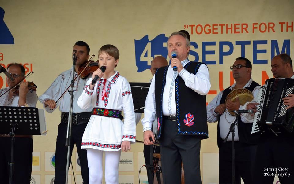 Interpreți, rapsozi și ansambluri folclorice au prezentat tinerilor tradițiile autentice