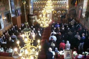 """Mitropolitul Clujului la hramul bisericii din Florești: """"Fiți adevărați mărturisitori ai lui Hristos"""""""