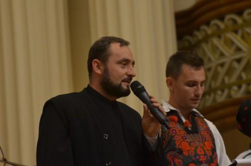 Preoți, artiști și sute de clujeni, alături de o familie în suferință