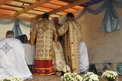 Resfințirea bisericii din Leșmir