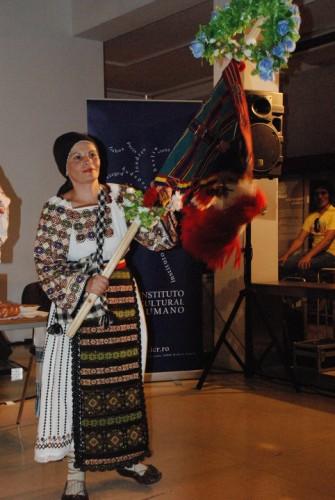"""Lenuța Purja: """"Am ales drumul spinos al cântecului tradițional de când am început să cânt"""""""