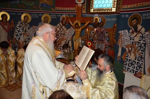 "Liturghie arhierească la Biserica ""Sfânta Treime"" din Cluj, la 220 de ani de la zidirea ei"