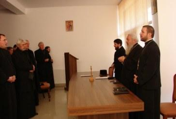 Preoții din Dej, chemați să fie mai aproape de tineri