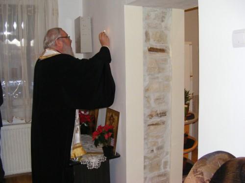 Sfeștania casei parohiale din Giula