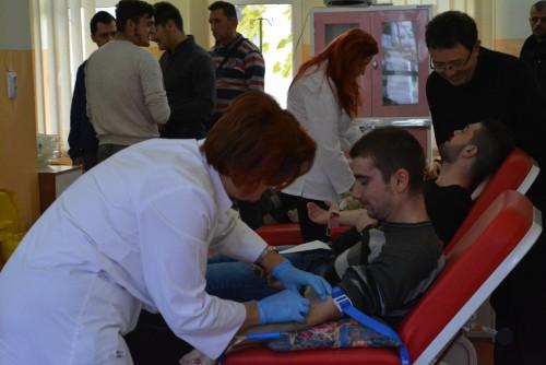 Studenți teologi, implicați în Campania de donare de sânge organizată de UBB Cluj