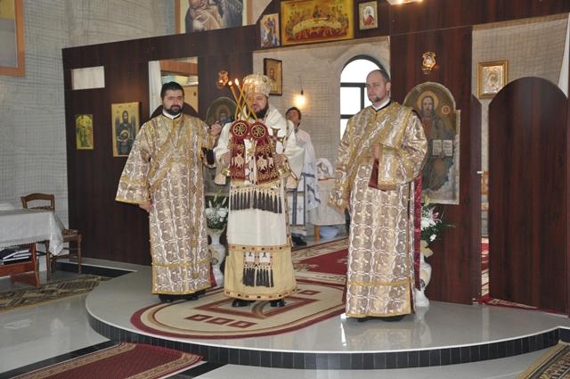 """Liturghie Arhierească la Biserica """"Sfântul Apostol Andrei"""" din Zalău"""