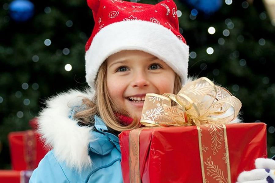 100 de copii săraci din Gherla pot fi fericiți de Crăciun