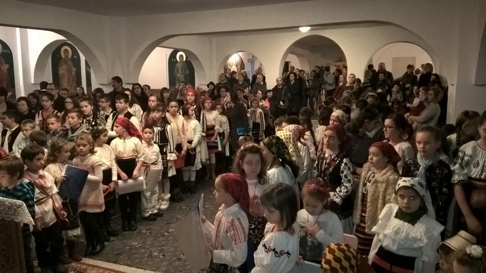 Concert de colinde și expoziție de icoane, darurile micilor creștini clujeni pentru Sfântul Nicolae