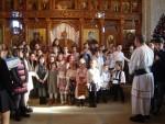 Colindători mari și mici în Parohia Adormirea Maicii Domnului