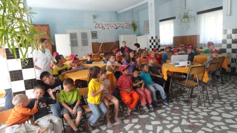 Mitropolitul Andrei a împărțit daruri copiilor din Preventoriul TBC din Ilișua