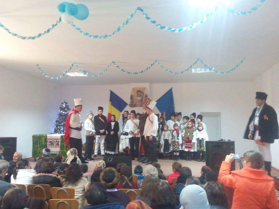 """""""Hristos se naște Mărăți-L"""", un concert cu tradiție în satul clujean Gădălin"""