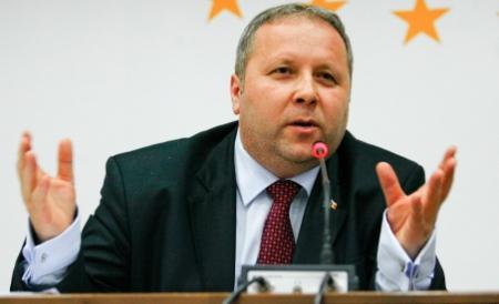 Conf. univ. dr. Vasile Timiș în conferință la Zalău