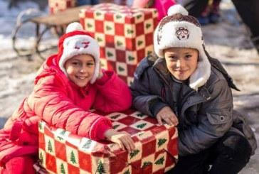 Un camion de daruri, pentru copiii rromi din Pata-Rât