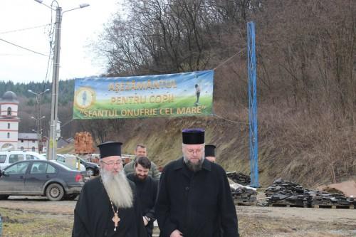 """Vizită arhierească la Centrul """"Sfântul Onufrie"""" din Florești"""