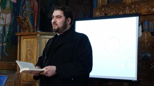 Strategiile moderne de comunicare, în atenția preoților din Gherla