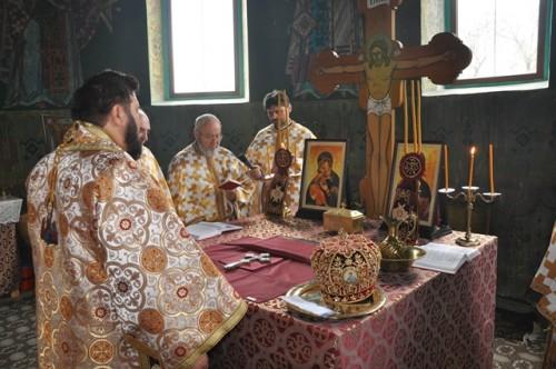 Slujire Arhierească la Parohia Sânmihaiu Almașului