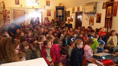 Activitate catehetică pentru copiii de la o grădiniță din Florești